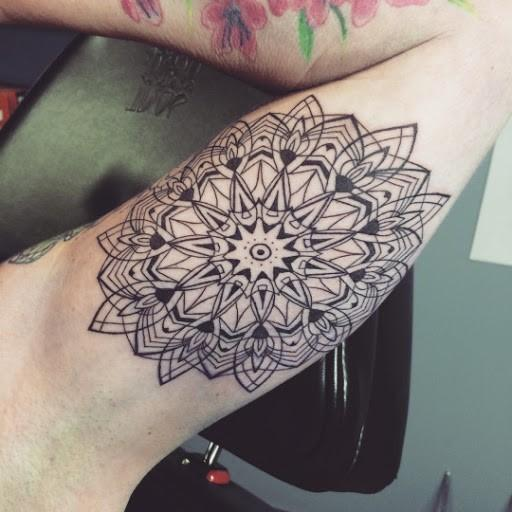 Mandala tattoos designs-bicepc