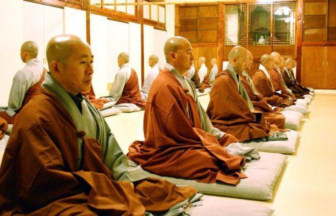 monahi-meditiruut-tibet
