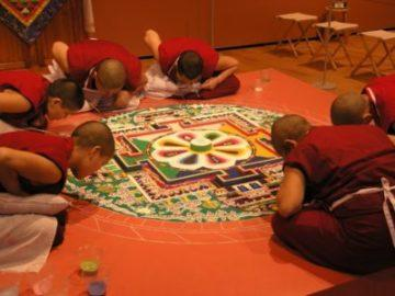 mandala-tibetskih-monahov