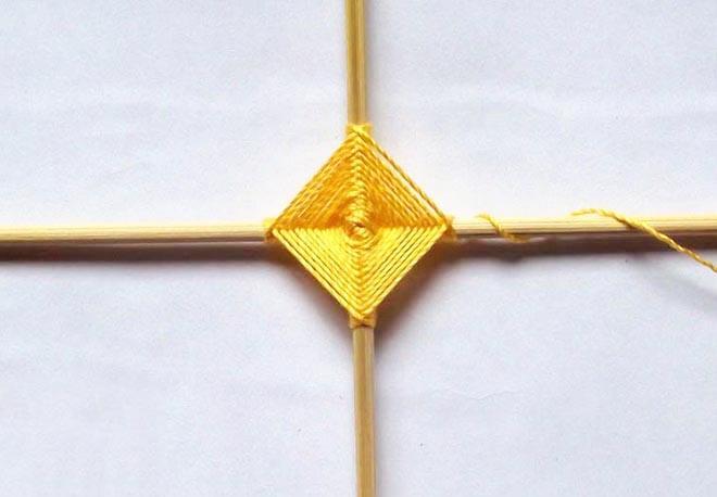 shema-pleteniya-mandaly-iz-nitok-5