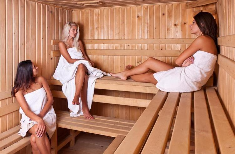 jenshiny-v-saune