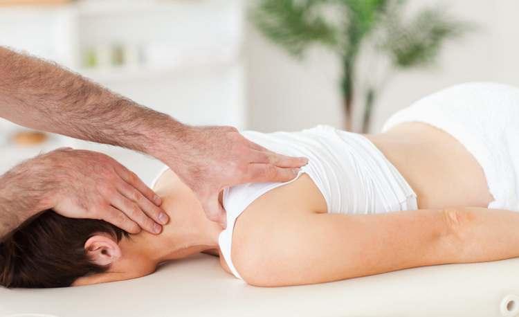 Spinal-Manipulation-tocechnoe-vozdeystvie